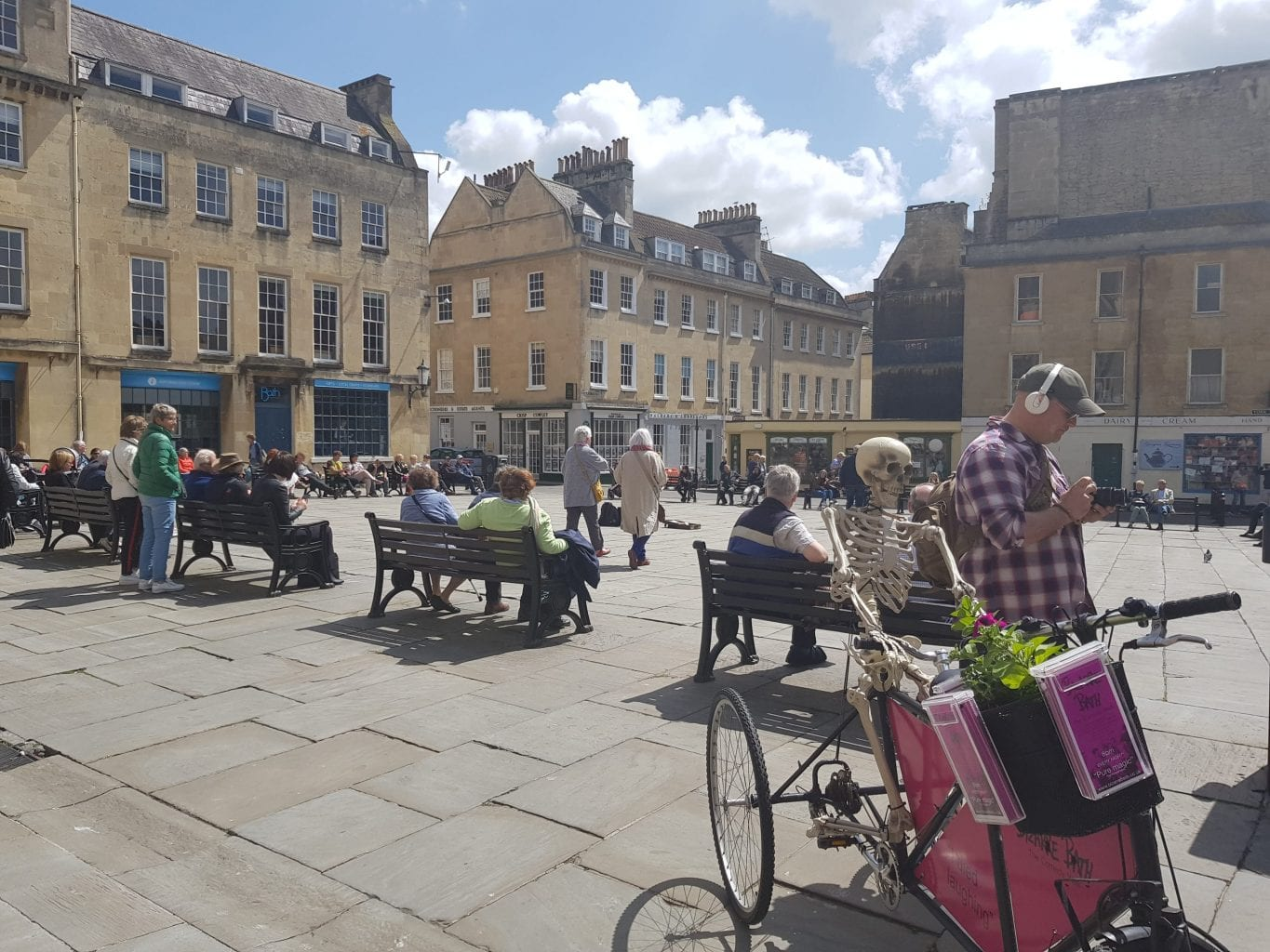 The square behind Bath Abbey